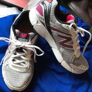 6 1/2 New balance running shoes